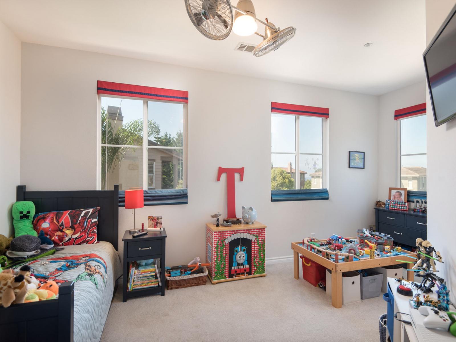 851 Lynwood Dr,ENCINITAS,California 92024,House,Lynwood Dr,1014